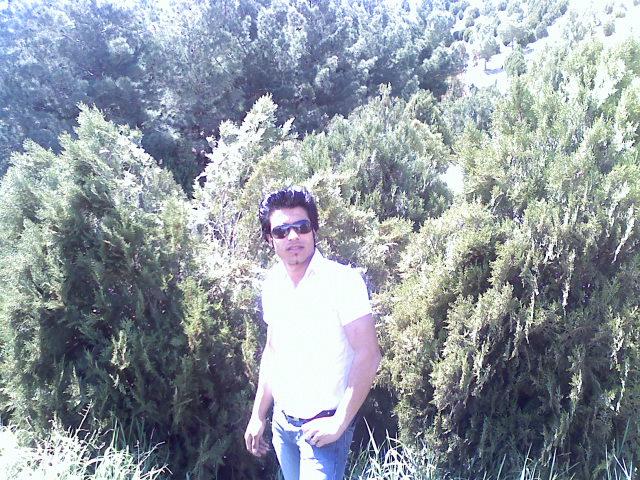 http://mahak20.persiangig.com/axe%20man/011211130216.jpg